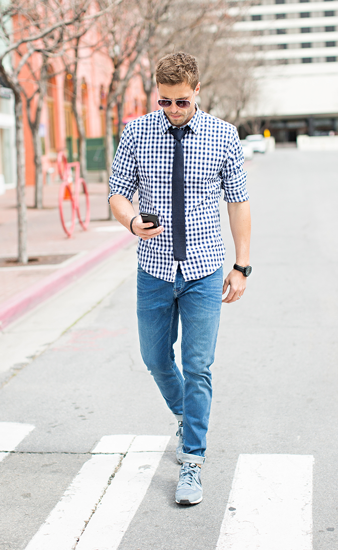 4 Ways to Make a Dress Shirt and Tie more Casual | Hello His